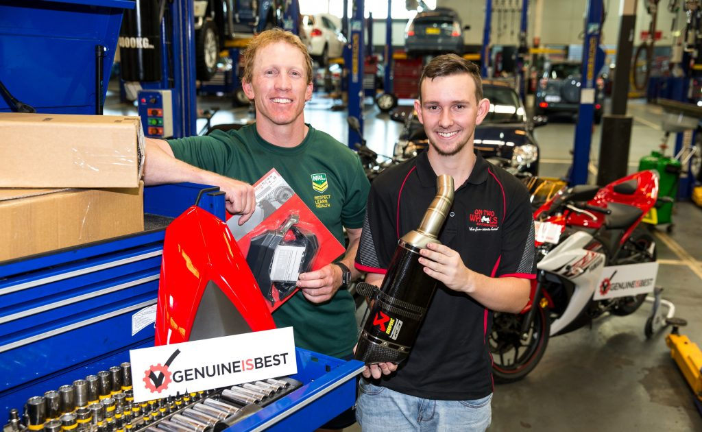 Australian School-based Apprentice of the Year, Brenden Williamson (right), and NRL legend Alan Tongue (left) have endorsed the Federal Chamber of Automotive Industries (FCAI) Genuine is Best initiative