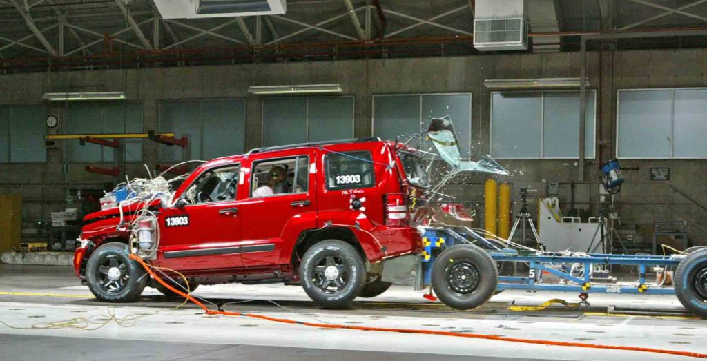 jeep crash test liberty